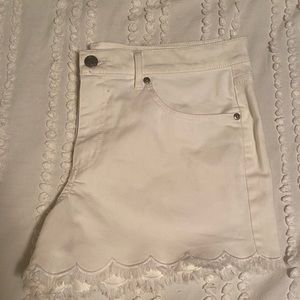 BRAND NEW White Jean scalloped shorts from loft